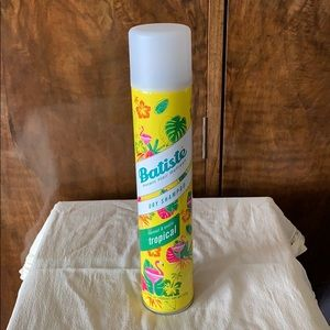 Full size, Batiste tropical scent dry shampoo